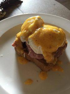 Eggs benedict pulled ham sough dough